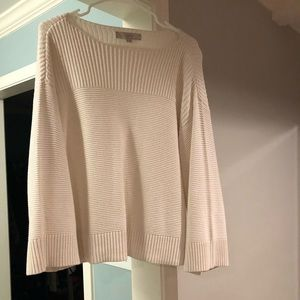 Loft sweater with wide sleeves